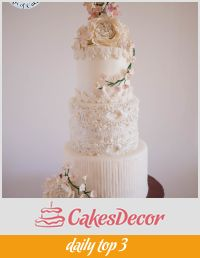 A dress-inspired wedding cake.