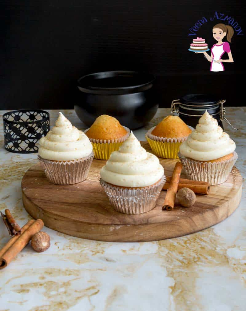 Celebrate the holidays with festive Eggnog Cupcakes with Eggnog Buttercream Frosting.