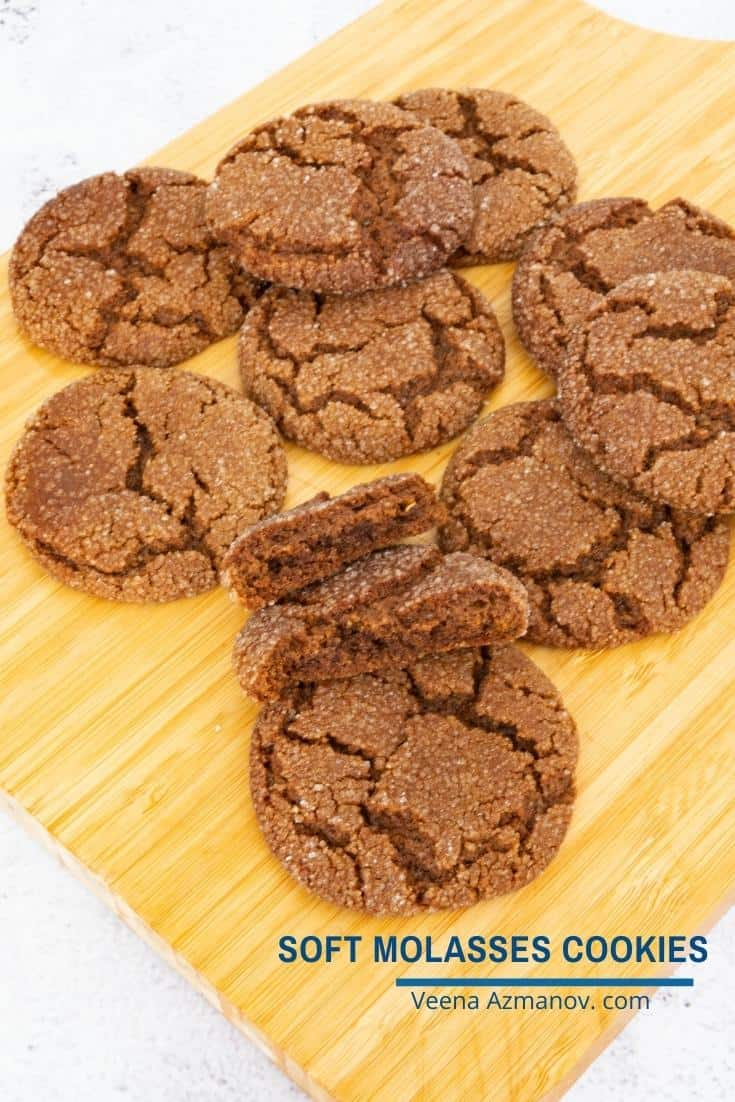 These molasses cookies are buttery, chewy, soft on the inside but crisp on the outside. Flavored with ground ginger, cinnamon, and nutmeg these also make amazing holiday gifts for family and friends #molasses #cookies #molassescookies #gingerbreadcookies #molassescookies #fallcookies #cookierecipes #bestcookierecipes  via @Veenaazmanov