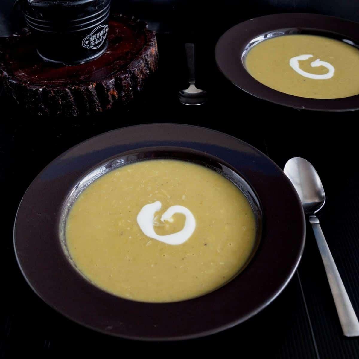 Soup bowl with split pea soup.
