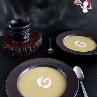 The ultimate Creamy Split Pea Soup Recipe for winter. Vegetarian without ham bone.