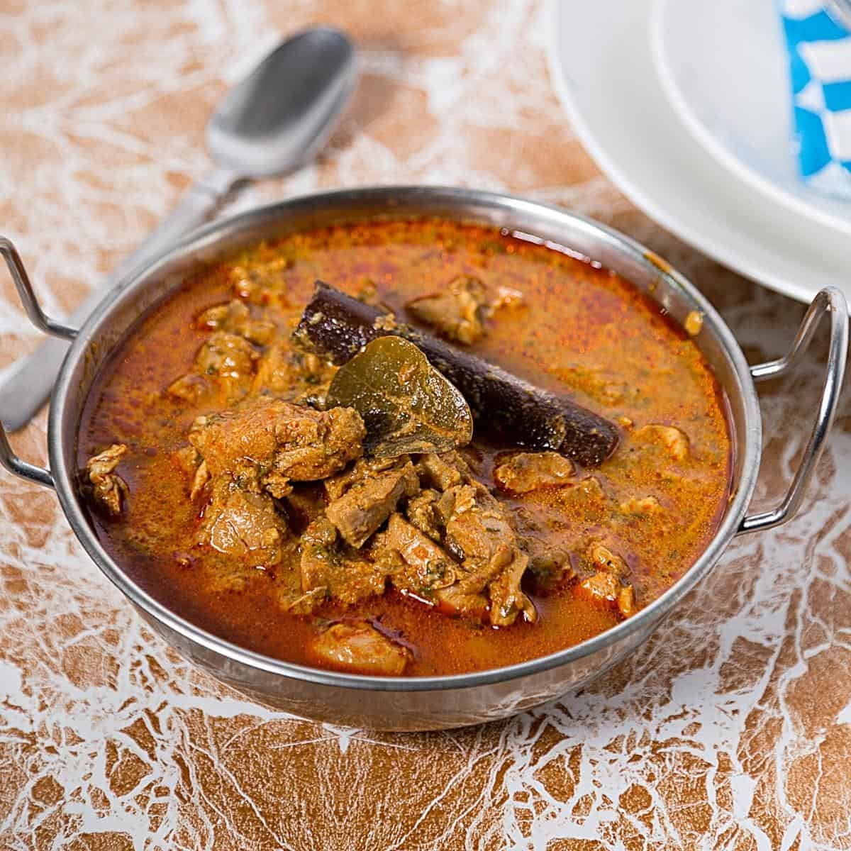 An Indian dish with chicken curry.