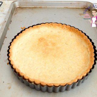 Shortcrust pastry in a tart pan.
