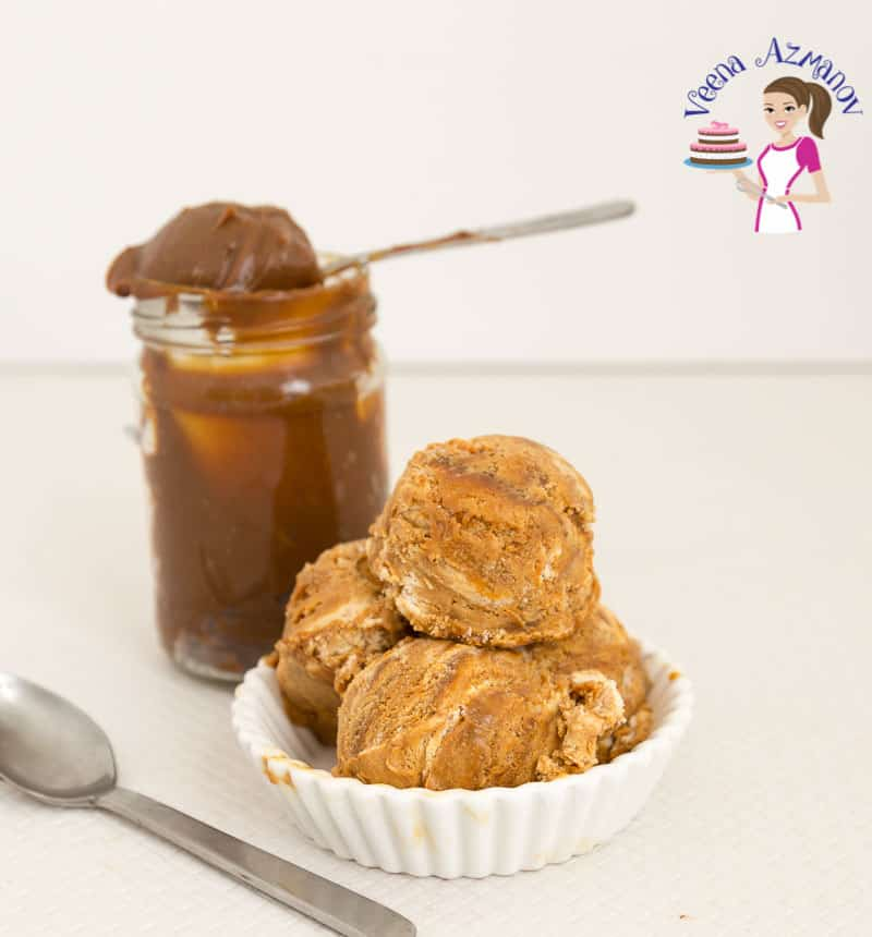 Three generous scoops of no-churn ice cream in dulce de leche flavor ready to be enjoyed.