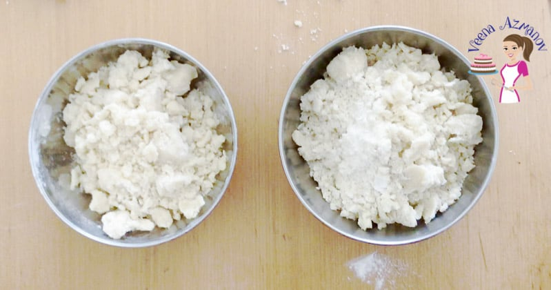 Divide the crumble mixture into two for top and bottom