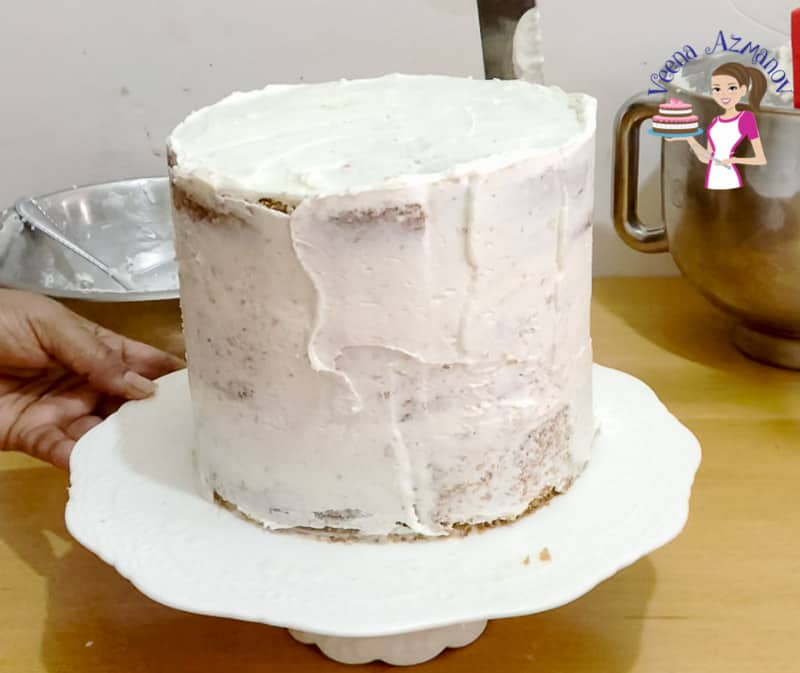 A step by step tutorial on how to bake a birthday cake at home from scratch