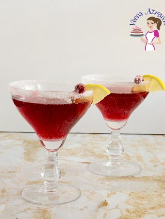 How to make a cocktail with cranberries and liquor
