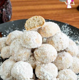 How to make cookies with ground pecans, cranberries also made for Mexican Wedding