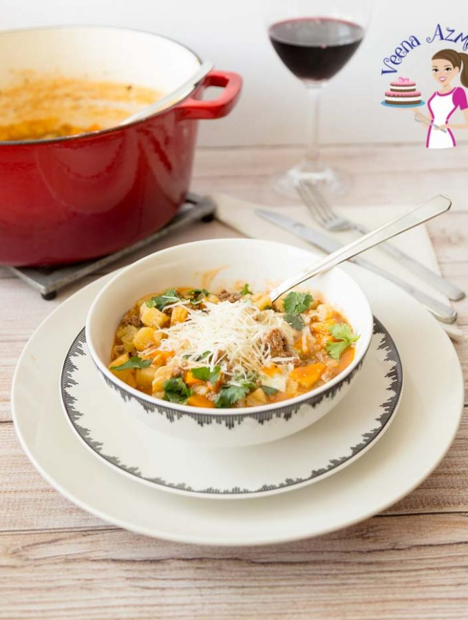 How to make a soup with ground beef and veggies