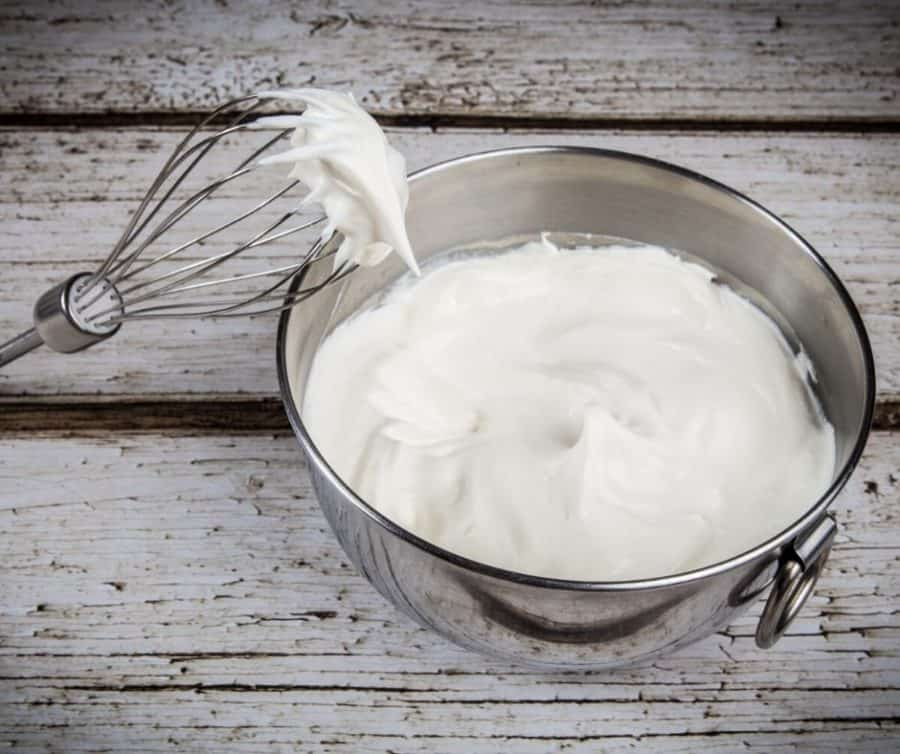 How to Prepare pastry cream for piping on Dessert