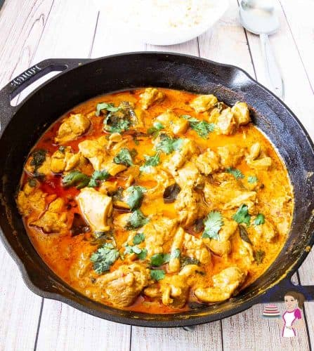 A pan with butter chicken.