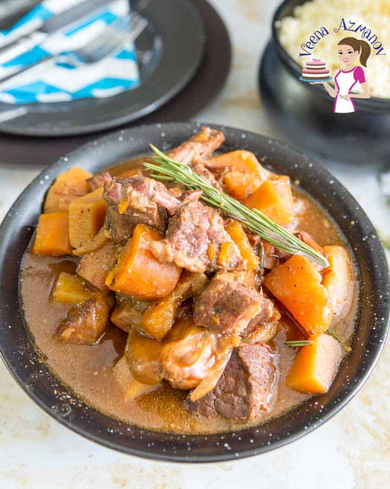 How to make slow-cooked stew in a crock pot with beef and veggies