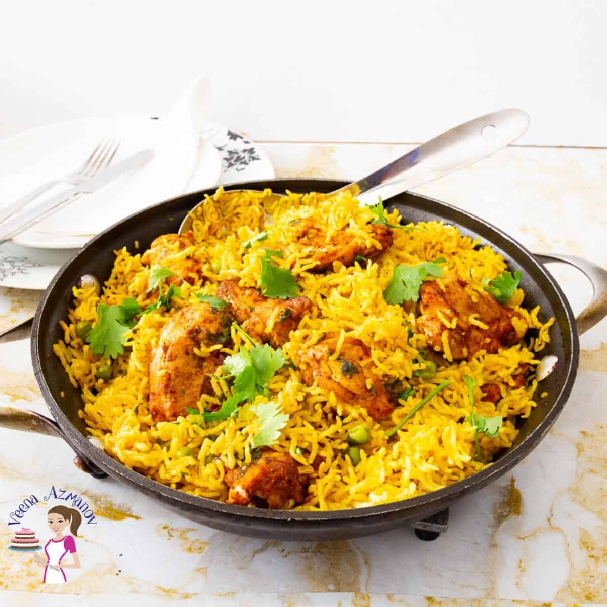 How to make a skillet rice with Turmeric, chicken and peas