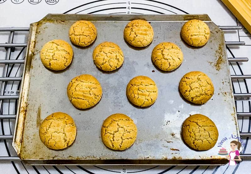 How to make cookies at home from scratch with cardamom and coffee