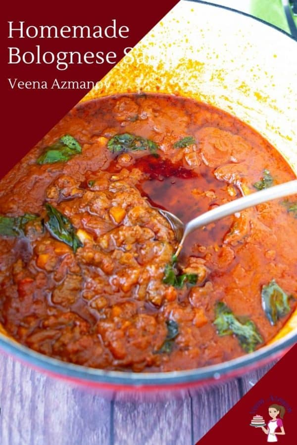 How to make a meat sauce with beef, pork and tomatoes