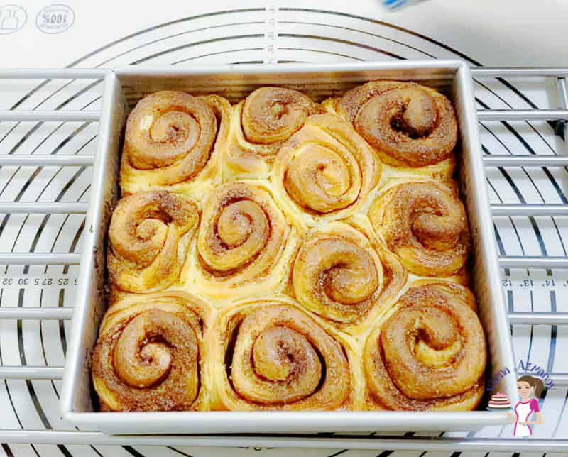 Bake the rolls for 25 minus.
