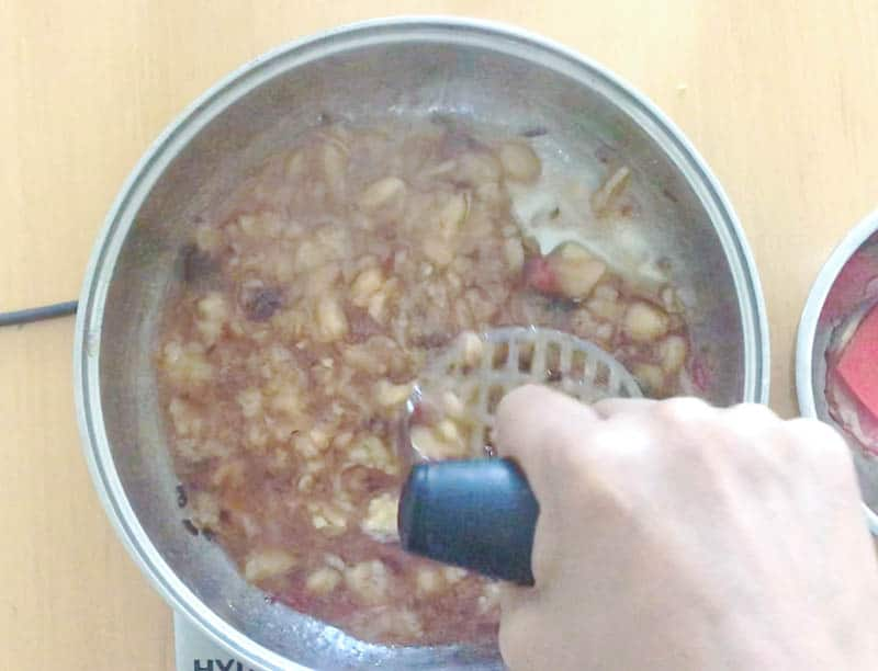 cook the chutney on medium low heat for 20 mins