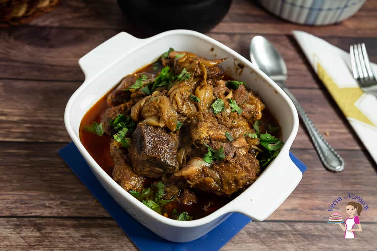 Lamb curry in a serving bowl.