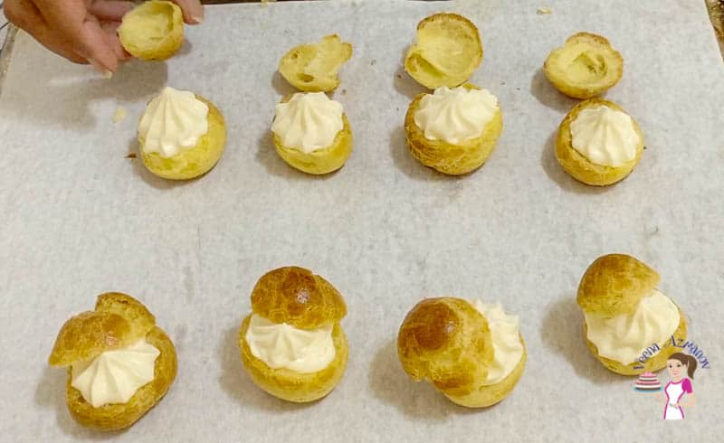 Fill the cream puffs with the cheesecake filing