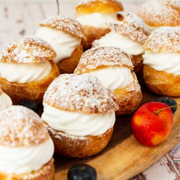 How to make choux pastry puffs filled with cream