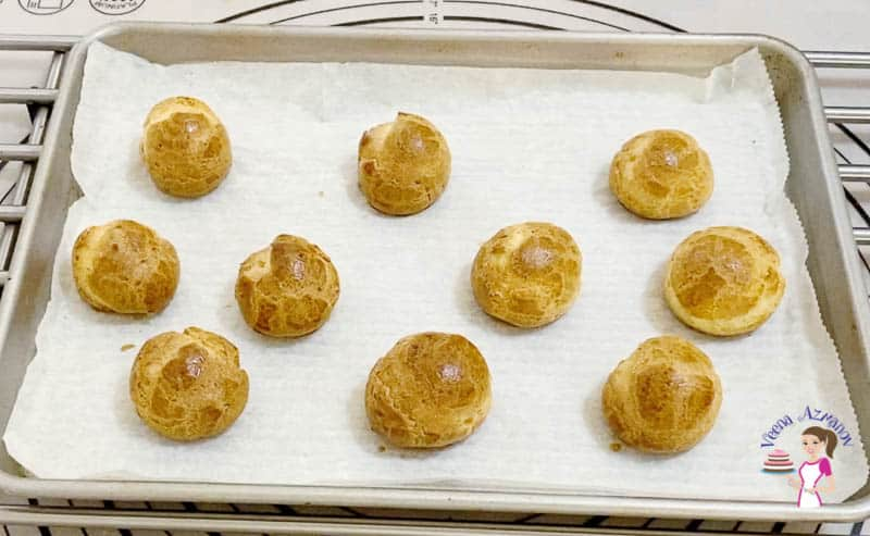 Bake the choux pastry for 5 more minutes