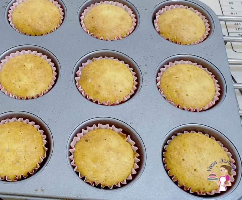 Bake the muffins for 18 to 20 mins