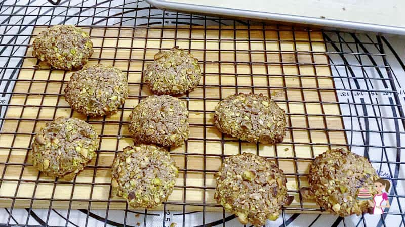 Cook the chocolate pistachio cookies on a cooling rack