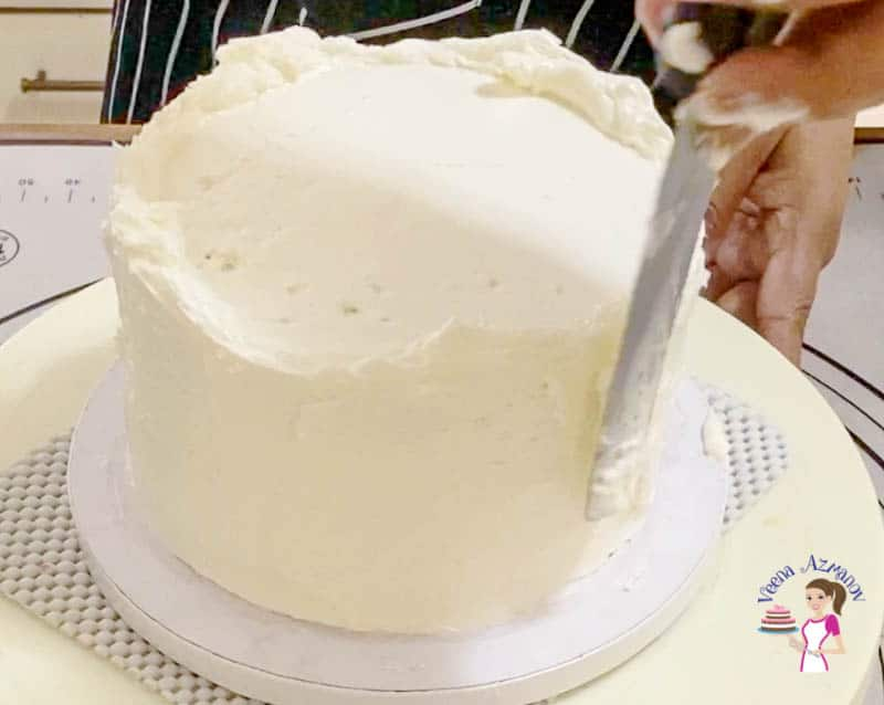How to make a cake with desiccated coconut and coconut cream