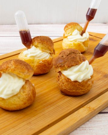 How to make cream puffs with mascarpone cream and coffee Tiramisu