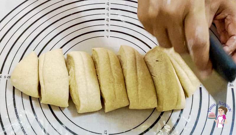How to make dinner rolls with whole wheat flour