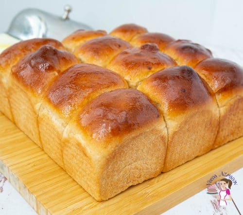 A bunch of mini bread loaves