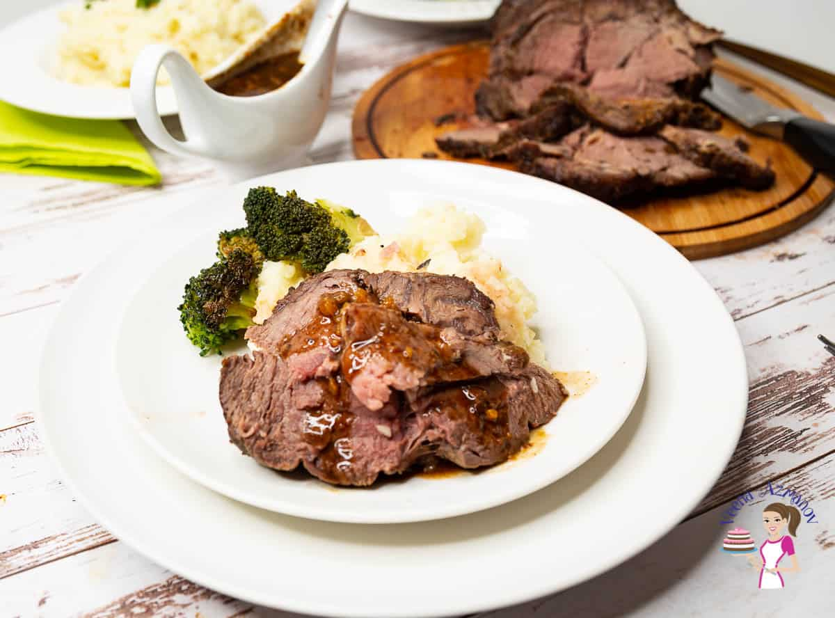 How to make a leg of lamb roast boneless with red wine grazy