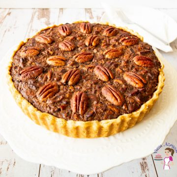 How to make a pecan pie with chocolate and homemade pie crust.