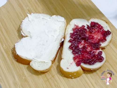 open sandwich with cranberry sauce