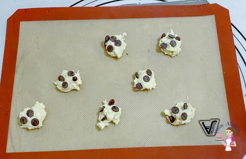 Sprinkle chocolate chip cookies