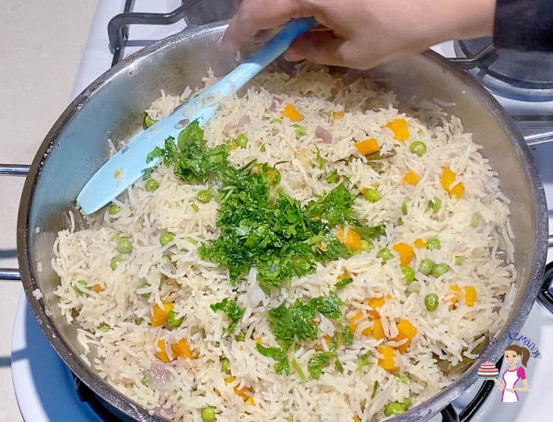 Add the parsley to the pilaf