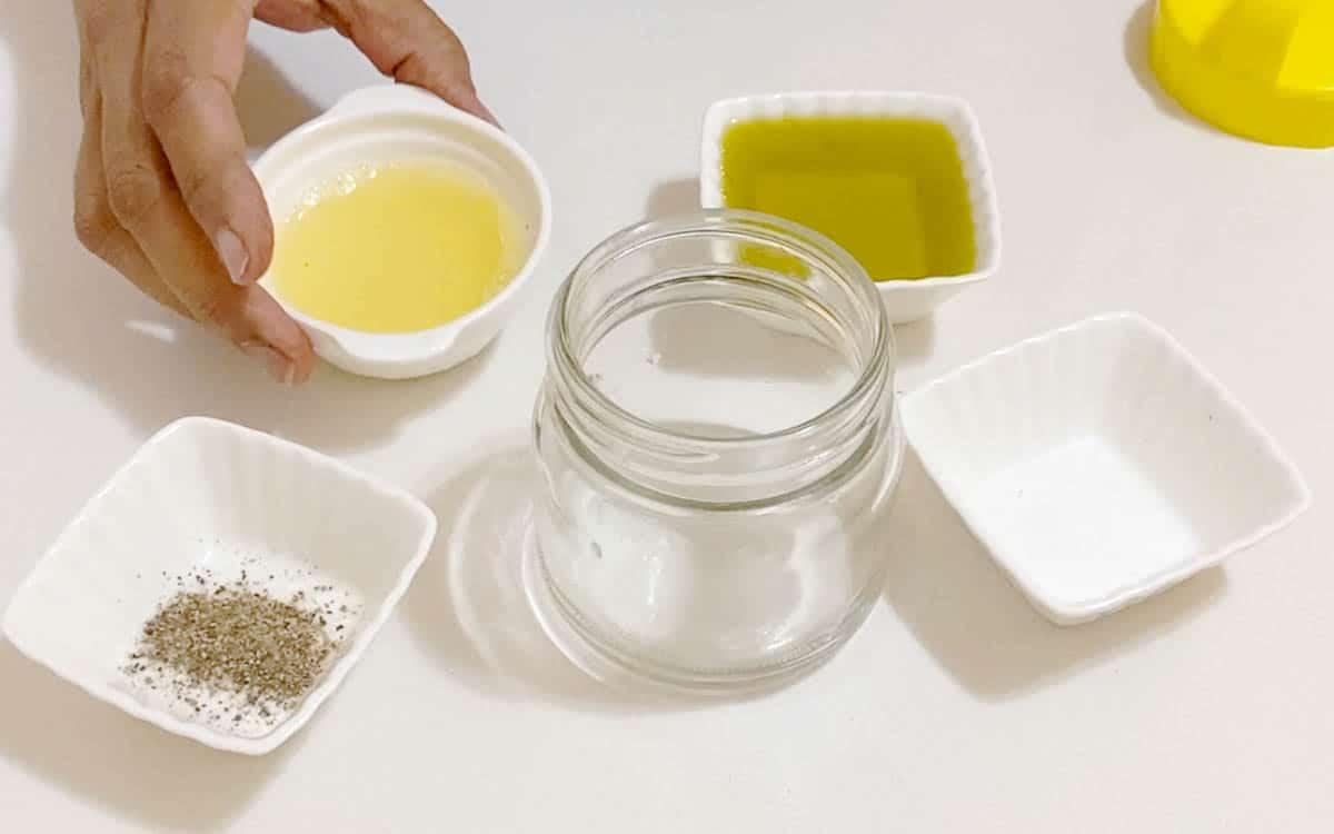 Preparing the lemon dressing for salad